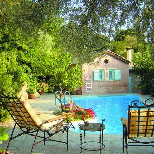 מלון אודיסיס למכירה - לפקדה - יוון